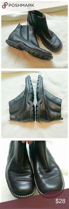 Joan & David black leather ankle boots In excellent condition.  Super comfortable. I'm not even 100% sure i ever even wore these. Fine soft leather. Joan & David Shoes Ankle Boots & Booties