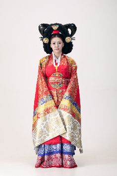 Korean Traditional Royal Wedding Keywords: #weddings #jevelweddingplanning Follow Us: www.jevelweddingplanning.com www.facebook.com/jevelweddingplanning/
