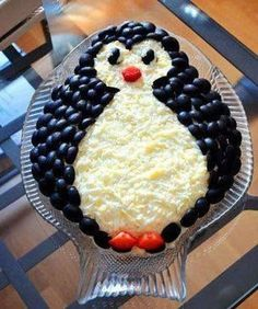 Spectacular and tasty layered salad Penguin will decorate any festive table. Cute Food, Good Food, Yummy Food, Tasty, Food Carving, Food Garnishes, Veggie Tray, Veggie Food, Xmas Food
