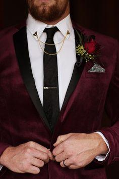 Winter Wedding Groom Style Velvet Burgundy Blazer - ASOS Black Tie Gold Collar Tips and Chain Gold Tie Bar Hawkinson Events wedding winter Gold And Burgundy Wedding, Maroon Wedding, Wedding Tux, Wedding Attire, Wedding Suits For Groom, Black Tux Wedding, Vintage Wedding Suits, Winter Wedding Outfits, Wedding Couples