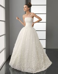 Gorgeous strapless ball gown sweep / brush train bridal gowns