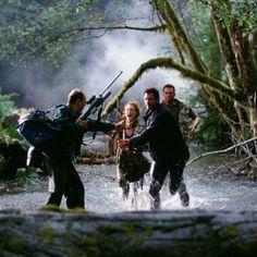 Jeff Goldblum, Julianne Moore and Vince Vaughn in The Lost World: Jurassic Park - http://www.newmovieshouse.com/1997/The-Lost-World-Jurassic-Park/