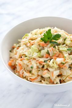 Cabbage, carrot apple and parsley healthy raw salad. New fit Coleslaw! Corn Fritters, Polish Recipes, Coleslaw, Healthy Salads, Risotto, Salad Recipes, Cabbage, Food And Drink, Cooking Recipes