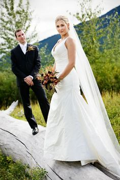 Married in Montana: Bride & Groom Portraits | Weddingbee