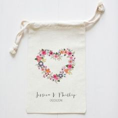custom wedding favor bags | wedding chicks    More Wedding Favors at: www.RealWeddingDay.com