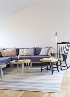 Multikomfort i visningshus, Larvik - Nyfelt og Strand Interiørarkitekter Table, Furniture, Home Decor, Homemade Home Decor, Mesas, Home Furnishings, Desk, Decoration Home, Tabletop