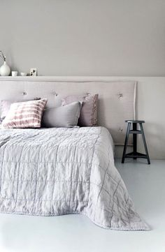 There are some ideas that you can decorate your Bath in Bedroom. With bath in your bedroom design ideas can be new and unique. Bedroom With Bath, Guest Bedroom Decor, Home Bedroom, Bedrooms, Bedroom Inspo, Pastel Bedroom, Style At Home, Living Spaces, House Design