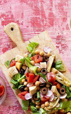 Salad Bar, Soup And Salad, Pasta Salad, Vegetarian Recipes, Cooking Recipes, Healthy Recipes, Clean Recipes, Panzanella Salad Recipe, Artichoke Recipes