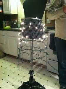 MANAQUIN CHRISTMAS TREE - My Yahoo Image Search Results