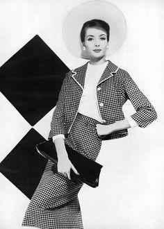 Gitta Schilling, photo by Karen Radkai, Vogue, 1959