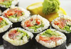 depois de um belochurrasco, o sushi é o prato favorito para a maioria dos brasileiros, segundo umapesquisagastronômica realizada pelo Groupon. O prato típico da culinária japonesa, aliás, faz sucesso em outros países daAmérica Latina, de acordo