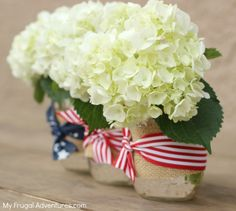 How to make patriotic mason jars- so simple and so cute for sparklers, drinks, flowers, utensils and more!