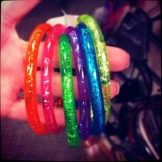 Jelly bracelets filled with glitter water-I loved these Crystal Reed, Crystal Ball, Diy Souvenirs, Jelly Bracelets, 1. Mai, Stone Landscaping, Ol Days, Good Ol, Childhood Memories