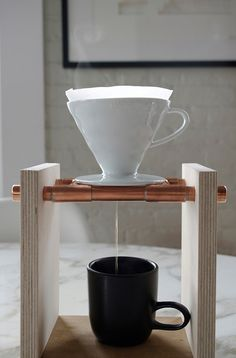 DIY pour over coffee maker Coffee Dripper, V60 Coffee, Drip Coffee, Coffee Love, Coffee Shop, Brew Bar, Coffee Area, Pour Over Coffee Maker, Coffee Equipment