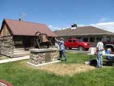 Mayor Dave Blackham, kicks off the July 4th celebration when he rings the bell for freedom in the Mormon Pioneer National Heritage Area #findyourpark#findyourstory