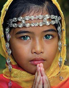Face - Niña orando...