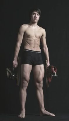 Lowkey sad the winter and summer Olympics aren't in the same season/years. THIS KID IS BEYOND RIPPED <3<3 Celski <3<3