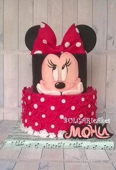 party-ideas-ph-minnie-mouse-birthday-cakes-3
