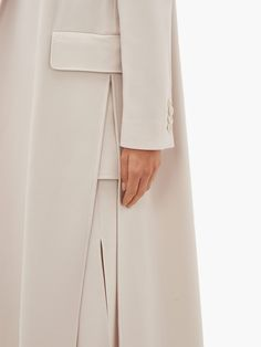 Coats For Women, Clothes For Women, Cool Outfits, Fashion Outfits, Fashion Details, Fashion Design, Designs For Dresses, Abaya Fashion, Blazers