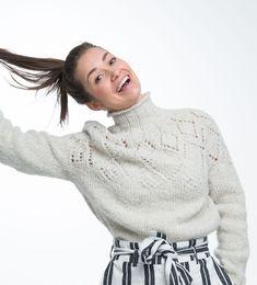Hole in One genser. Strikkes i økologisk ull og børstet baby alpakka. Hole In One, Turtle Neck, Studio, Knitting, Sweaters, Baby, Fashion, Moda, Tricot