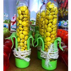 Muita criatividade nessa decoração do sitio do pica pau amarelo! Tubete imitando…