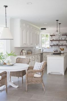 Browse photos of Small kitchen designs. Discover inspiration for your Small kitchen remodel or upgrade with ideas for storage, organization, layout and decor. White Kitchen Cabinets, Kitchen Redo, Kitchen Ideas, Kitchen Island, Kitchen Tile, Diy Cabinets, House Kitchen Design, Eat In Kitchen Table, White Kitchen Floor