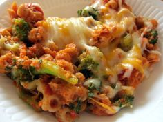 Cheesy baked pasta with broccoli. Yum.