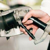 Poszukiwanie oszczędności na rynku motoryzacyjnym nie zna granic. Czy jednak instalacja gazowa zamontowana w dieslu to nie przesada? Jak najbardziej nie! Zanim właściciele aut z silnikami wysokoprężnymi popędzą do okolicznych warsztatów, muszą jeszcze o czymś wiedzieć. Nie w każdym przypadku gaz przyniesie korzyści podczas eksploatacji ropniaka.