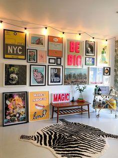 Living Room Decor, Bedroom Decor, Wall Art Bedroom, Quirky Bedroom, Gallery Wall Bedroom, Living Room Prints, Retro Living Rooms, Bedroom Prints, Design Bedroom