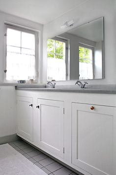 Flott badrumsinredning Helsingborg, Double Vanity, New Homes, Kitchen, Inspiration, House, Home Decor, Bathrooms, Decorations