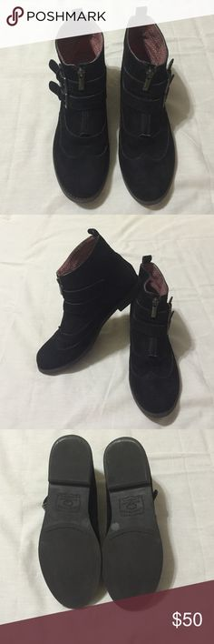 🎉🎉vets day sale!🎉🎉Lucky Brand ankle boots! ❤️ Fantastic Lucky Brand ankle boots with dual buckles. Black suede in great condition with silver hardware also in very good condition. No scratches or flaws. Only worn a few times. I don't wear jeans anymore so not using these. Super cute and comfy. Very in style. ❤️ Lucky Brand Shoes Ankle Boots & Booties