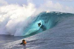 The 2015 #BillabongProTahiti is ON!! #KellySlater #Tahiti #Volcom #ボルコム #ケリースレーター