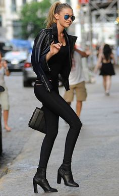 Gigi Hadid Street Style All Black                                                                                                                                                                                 Mais
