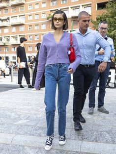 4 easy outfit combos to copy from kaia gerber's street style who what wear Simple Outfits, Casual Outfits, Cute Outfits, Fashion Outfits, Womens Fashion, Emo Fashion, Summer Outfits, Kaia Gerber, Style Dr Martens