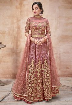 Looking to buy Anarkali online? ✓ Buy the latest designer Anarkali suits at Lashkaraa, with a variety of long Anarkali suits, party wear & Anarkali dresses! Lehenga Choli, Robe Anarkali, Costumes Anarkali, Anarkali Suits, Sharara Suit, Eid Dresses, Party Wear Dresses, Indian Dresses, Pakistani Dresses