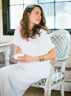 british dreams  | Fine Art Hochzeitsfotografie | DUJMOGRAPHY · Fine Art Hochzeitsfotografie | DUJMOGRAPHY Fine Art Wedding Photography, White Dress, Dresses, Fashion, Creative Wedding Photography, Black White Photos, Vestidos, Moda, Fashion Styles