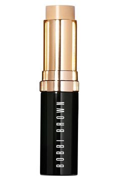 This award-winning foundation is formulated to look and feel like skin. Delivering buildable coverage and providing skin with targeted oil & shine control. Plus, it's easily transportable as it comes in a convenient swivel-up stick.