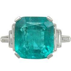 1930s 5.00 Carat Colombian Emerald Diamond Platinum Dress Ring