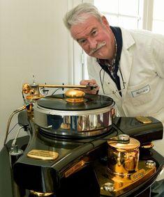 Pierre Riffaud fabrique des platines vinyles de luxe à Boisseuil High End Hifi, High End Audio, Logitech, Audiophile Turntable, High End Turntables, Technics Turntables, Speaker Amplifier, Speakers, Electronics Basics