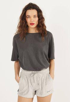 Bershka Shorts - light grey - Zalando.nl Velvet Shorts, White Shorts, Casual Shorts, Fashion News, Pants, Grey, Women, Trouser Pants, Ash