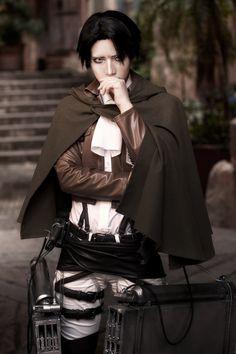 Levi (Shingeki No Kyojin)