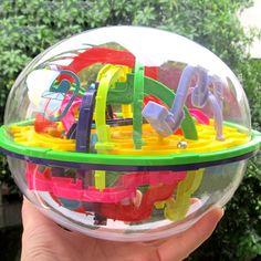 Descubre toda la #diversión dentro de esta esfera con su laberinto 3D, al girar la esfera encontraras distintos obstáculos los cuales tendrás que superar para llegar a la meta #méxico #kids #regalosoriginales #funnykids