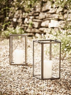 With a nickel frame, slender handle and glass sides, our simple lantern contains a clever LED candle, which looks just like the real thing, but won't burn or flicker out in the wind. Ideal for occasional use outside, it will make an attractive lighting solution for lazy evenings on your patio or terrace.