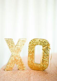 Metallic Wedding Moments We Love - Our Wedding Inspiration - Best wedding details Event Planning, Wedding Planning, Dream Wedding, Wedding Day, Garden Wedding, Wedding Blog, Or Noir, Girly, Color Dorado