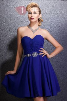 bridesmaid dress- it would be beautiful in a pale yellow or green