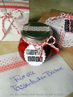 Very Berry - Erdbeer-Scones mit weißer Schokolade, Weiße Beeren-Pralinen, Erdbeermarmelade mit weißer Schokolade