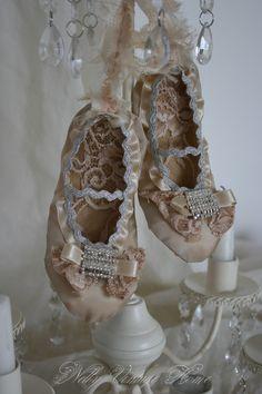 Paper Shoes...adorable
