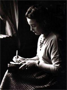 Simone de Beauvoir, 1948©Gisèle Freund