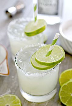 Homemade Fresh Margarita. #thecookierookie #margaritas #cocktail #partydrinks #healthyrecipes