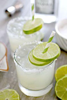 Homemade Fresh Margarita. #thecookierookie #margaritas #cocktail #partydrinks #healthyrecipes